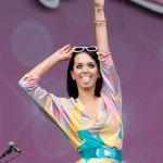 Katy-Perry-Tongue-Pic_(7)