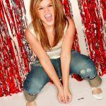 Kelly-Clarkson-Tongue-0094