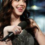 Michelle-Trachtenberg-tongue-02