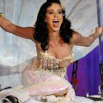 Katy-Perry-Tongue-Pic_(8)