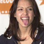 jessica-alba-tongue-12