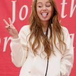 Miley-Cyrus-Tongue-01