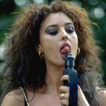 monica-bellucci-tongue